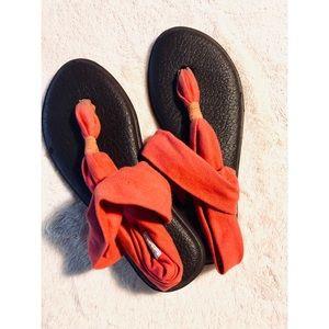 Coral Sanuk Yoga Mat Sandals size 6